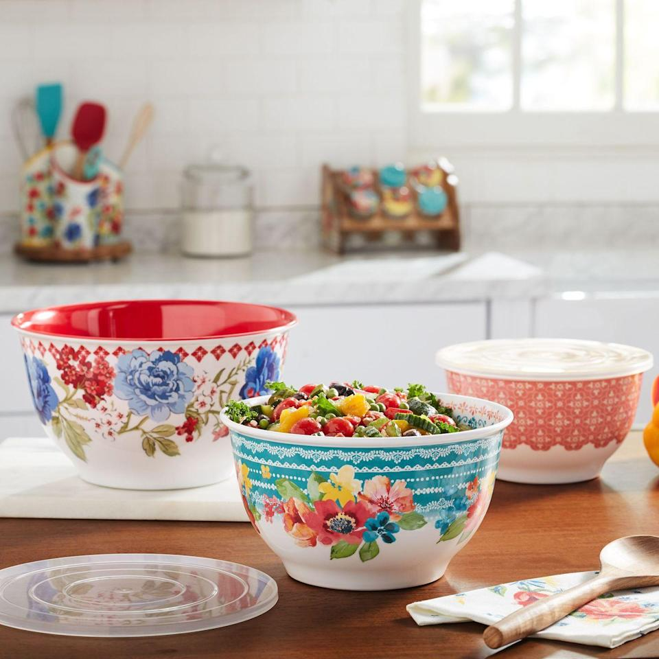 """<p>If you're thinking of dining al fresco this summer, you've got to add a few melamine dishes to your arsenal. This incredibly useful material is lightweight, practically unbreakable, inexpensive, and often dishwasher-safe, too. And if you shop <a href=""""https://go.redirectingat.com?id=74968X1596630&url=https%3A%2F%2Fwww.walmart.com%2Fip%2FThe-Pioneer-Woman-Classic-Charm-Melamine-Bowl-Set-with-Lids-6-Piece%2F729309241&sref=https%3A%2F%2Fwww.thepioneerwoman.com%2Fjust-for-fun%2Fg36599700%2Fsummer-party-ideas%2F"""" rel=""""nofollow noopener"""" target=""""_blank"""" data-ylk=""""slk:The Pioneer Woman line"""" class=""""link rapid-noclick-resp"""">The Pioneer Woman line</a>, it's also just plain beautiful. 😍</p><p><a class=""""link rapid-noclick-resp"""" href=""""https://go.redirectingat.com?id=74968X1596630&url=https%3A%2F%2Fwww.walmart.com%2Fip%2FThe-Pioneer-Woman-Classic-Charm-Melamine-Bowl-Set-with-Lids-6-Piece%2F729309241&sref=https%3A%2F%2Fwww.thepioneerwoman.com%2Fjust-for-fun%2Fg36599700%2Fsummer-party-ideas%2F"""" rel=""""nofollow noopener"""" target=""""_blank"""" data-ylk=""""slk:SHOP REE'S MELAMINE DISHES""""><strong>SHOP REE'S MELAMINE DISHES</strong></a> </p>"""