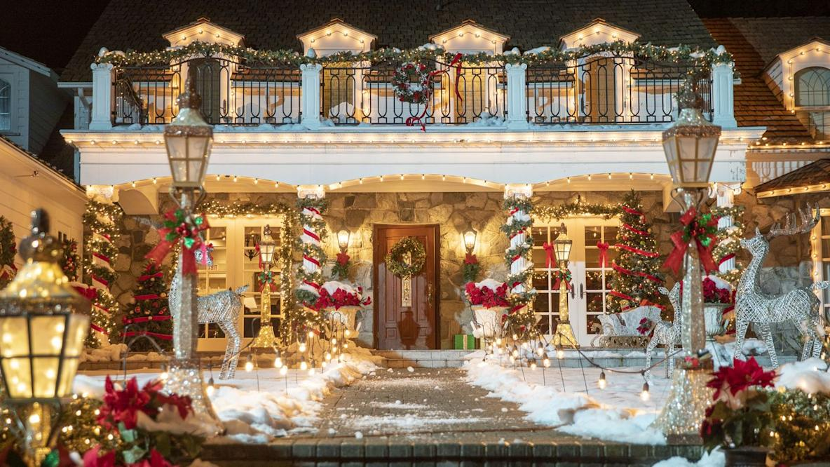 These Christmas Zoom Backgrounds Will Make You Feel Like You Re Living In A Hallmark Movie