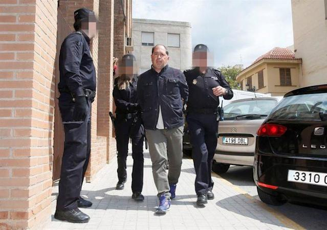 Eldense manager Filippo ii Pierro arrives at court in Spain