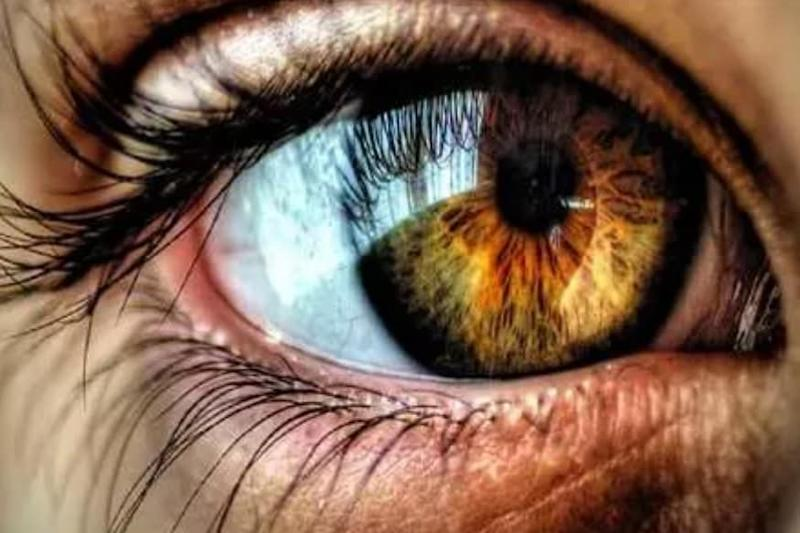 Cherenkov Emissions: Scientists Capture Light Flashes from Human Eye During Radiotherapy