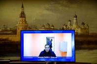 Opposition politician Navalny has urged Russians to protest even as the authorities crack down