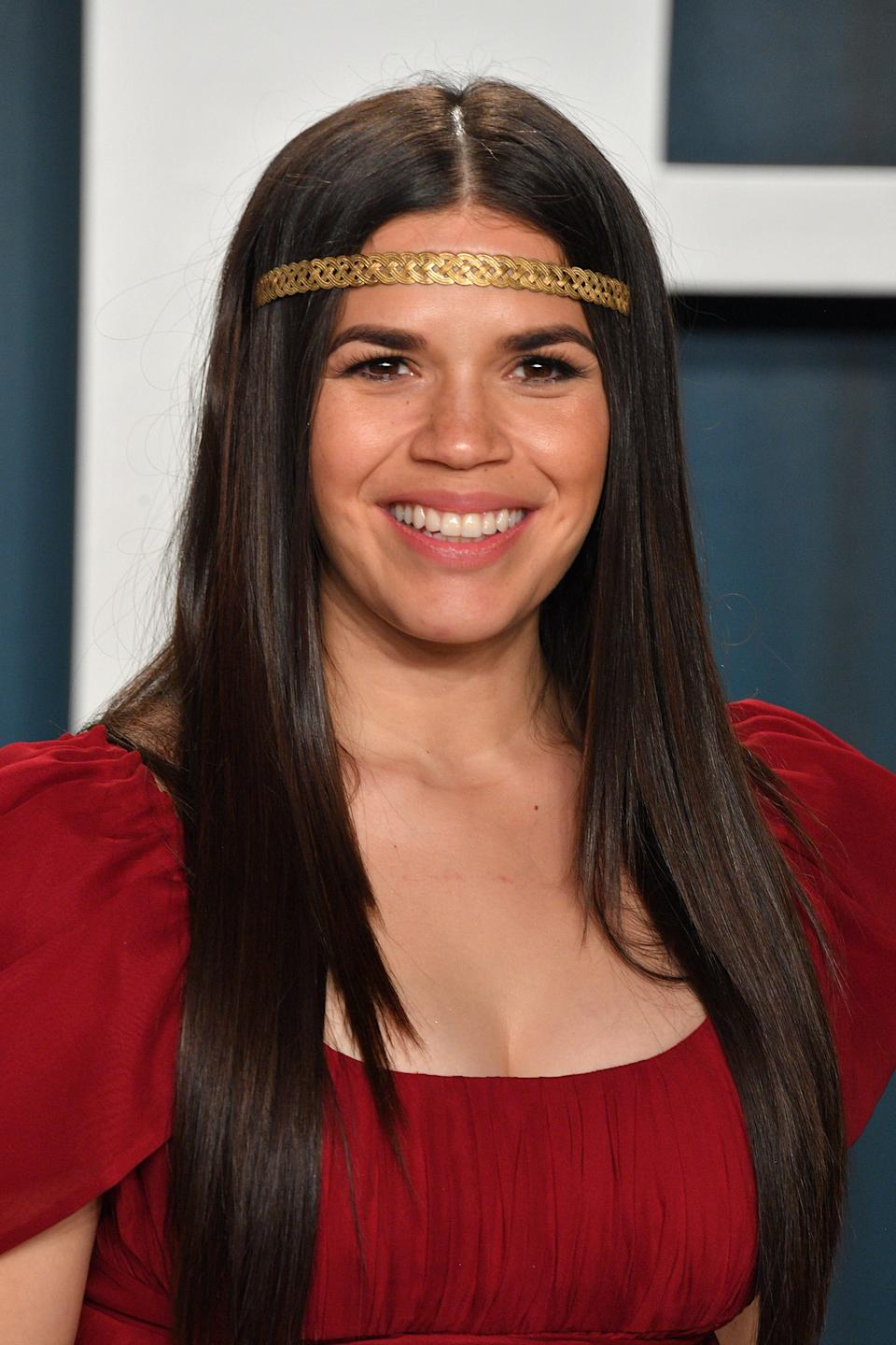 """America Ferrera's custom Jennifer Behr headpiece was more than just icing on top of her red carpet look: The gilded accessory worn across her forehead was <a href=""""https://www.refinery29.com/en-us/2020/02/9383562/america-ferrera-oscars-headband-honduras-warrior-meaning"""" rel=""""nofollow noopener"""" target=""""_blank"""" data-ylk=""""slk:a nod to her Honduran roots"""" class=""""link rapid-noclick-resp"""">a nod to her Honduran roots</a>. <span class=""""copyright"""">Photo: George Pimentel/Getty Images.</span>"""