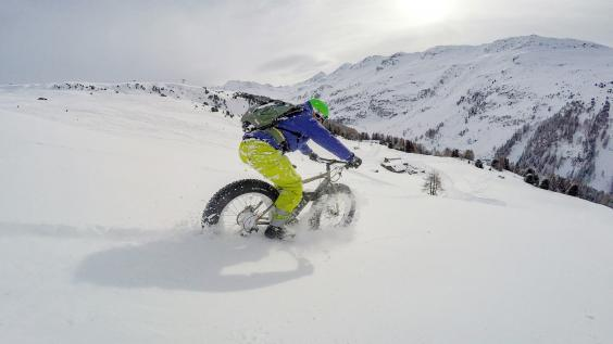 Cycle your way down the piste (2radwanderer)