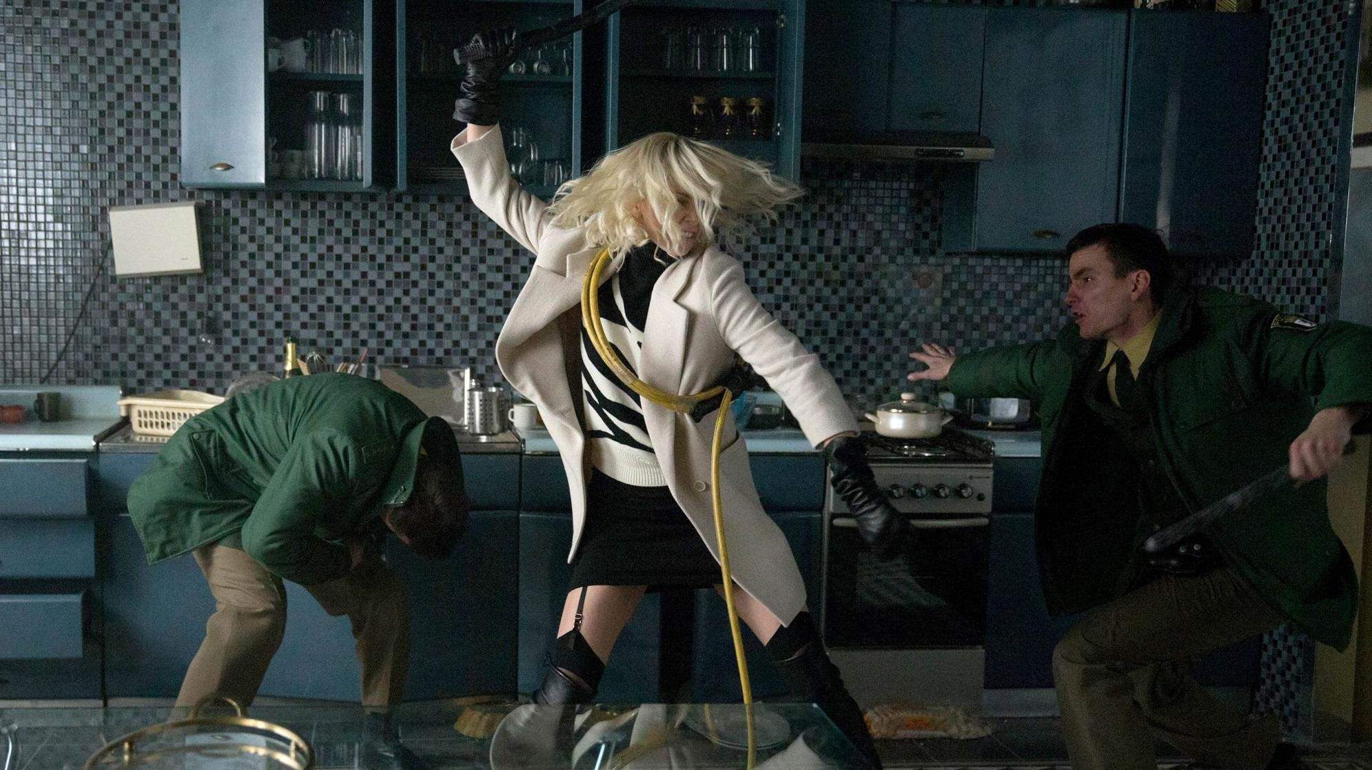 Charlize Theron in action in 'Atomic Blonde' (credit: Focus Features)
