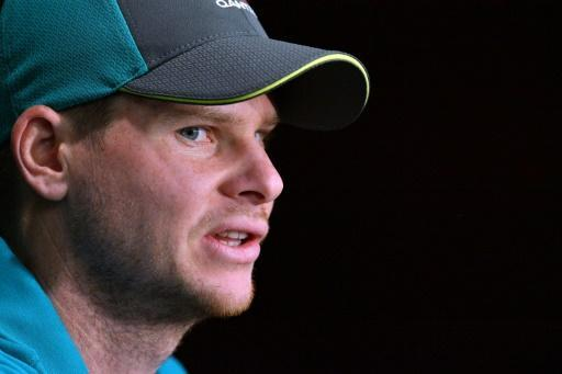 <p>England win toss and bat in first Ashes Test</p>