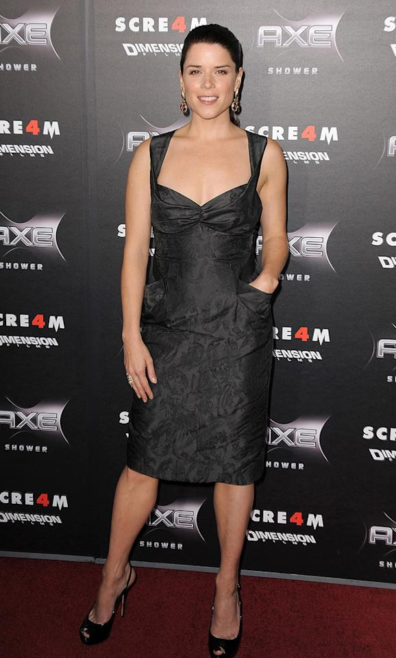 "We preferred <a href=""http://movies.yahoo.com/movie/contributor/1800018951"">Neve Campbell</a>'s pocketed frock. But, to be honest, we didn't love either woman's look."