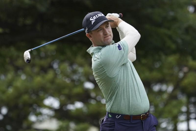 Knox cards 63 to grab first round lead at Safeway Open