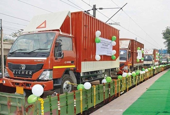 What is the RoRo service and how will it solve Delhi's traffic problem?