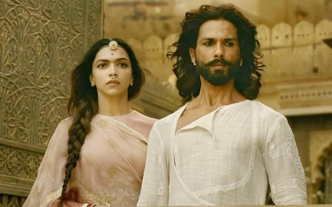 <p>The Central Board of Film Certification has delayed certification to Padmavati because the documents provided by the makers were incomplete.</p><p> </p>