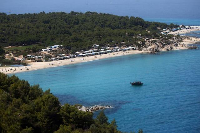 British holidaymakers warned to take cash to Greece amid debt crisis