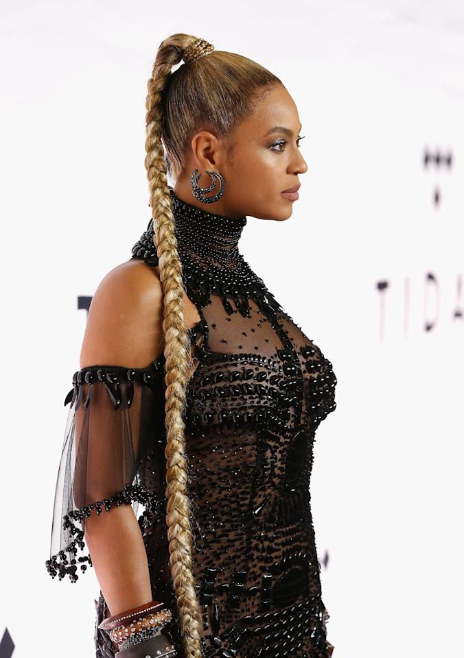 "<p>We're obsessed with this braid not just because of <a rel=""nofollow"" href=""http://www.glamour.com/story/american-music-awards-2016-red-carpet-trend-butt-length-hair?mbid=synd_yahoobeauty"">its length</a>, but because it's a force of nature. See: That time Yoncé <a rel=""nofollow"" href=""http://www.glamour.com/story/beyonce-performed-with-a-bleeding-ear-at-tidal-x-1015-concert?mbid=synd_yahoobeauty"">whipped it around so perfectly</a> during a performance in Germany, and the entire world stopped breathing for a second.</p>"
