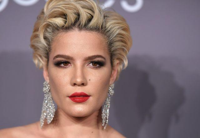 Musician Halsey attends the 2018 amfAR Gala New York at Cipriani Wall Street on February 7, 2018 in New York City