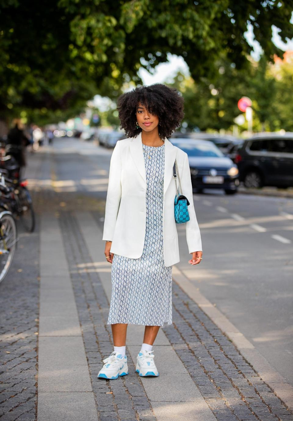 <p>We're obsessed with the new iteration of retro sneakers we've been seeing on the runways. The '70s are making a comeback with brands like Loewe and Re/Done showing us how it's done.</p>
