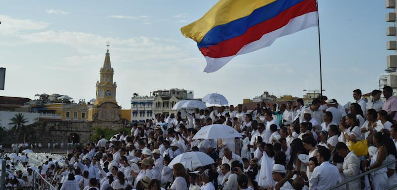 an overview of the culture and government of colombia Roots of violence in colombia in a way that promoted the development of political parties as substitutes for government for much of colombia's.