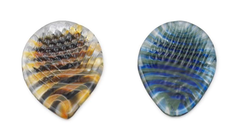 <p>Music lovers will love to rock out with these <span>Ridged Glass Guitar Picks</span> ($20).</p>