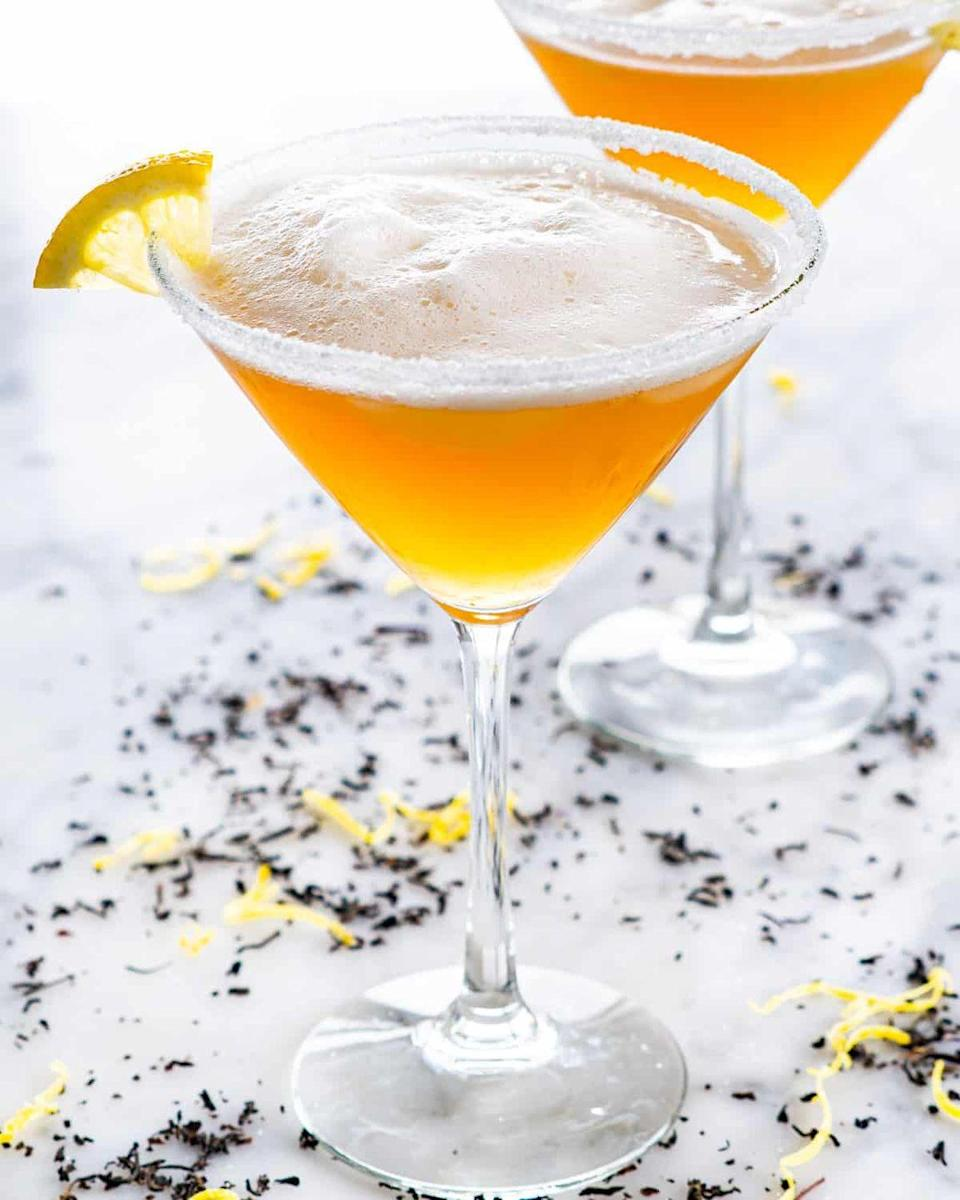"""<p>Because it's tea drinking season too, this Earl Grey martini is a no-brainer. The frothiness comes from whipped egg whites!</p><p><strong>Get the recipe at <a href=""""https://www.jocooks.com/recipes/earl-grey-martini/"""" rel=""""nofollow noopener"""" target=""""_blank"""" data-ylk=""""slk:Jo Cooks"""" class=""""link rapid-noclick-resp"""">Jo Cooks</a>.</strong></p><p><a class=""""link rapid-noclick-resp"""" href=""""https://go.redirectingat.com?id=74968X1596630&url=https%3A%2F%2Fwww.walmart.com%2Fsearch%2F%3Fquery%3Dmartini%2Bglasses&sref=https%3A%2F%2Fwww.thepioneerwoman.com%2Ffood-cooking%2Fmeals-menus%2Fg33510531%2Ffall-cocktail-recipes%2F"""" rel=""""nofollow noopener"""" target=""""_blank"""" data-ylk=""""slk:SHOP MARTINI GLASSES"""">SHOP MARTINI GLASSES</a> </p>"""