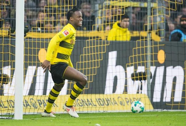 Dortmund's striker Michy Batshuayi celebrates scoring against Hamburg on February 10, 2018 in Dortmund