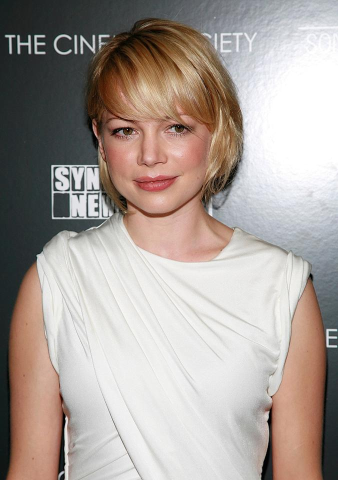 """<a href=""""http://movies.yahoo.com/movie/contributor/1800018861"""">Michelle Williams</a> at the New York premiere of <a href=""""http://movies.yahoo.com/movie/1809873025/info"""">Synecdoche, New York</a> - 1015/2008"""