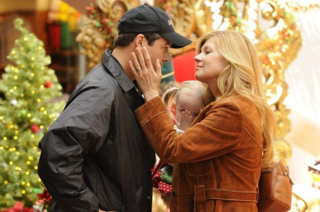 """Kyle Chandler and Connie Britton in """"Friday Night Lights"""" - Credit: NBC"""