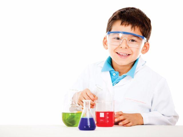 3 Simple Ways in Which You Can Teach Science to a 4-7 Year Old