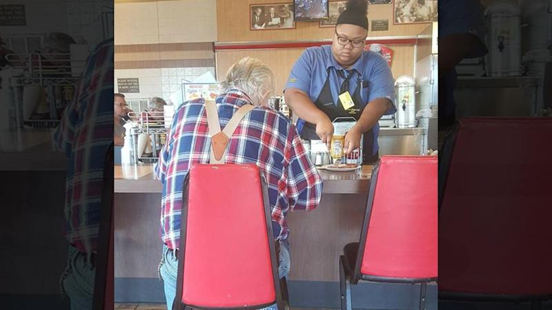 Viral Photo of 18-Year-Old Waffle House Waitress Helping Elderly Man Lands Her $16,000 Scholarship