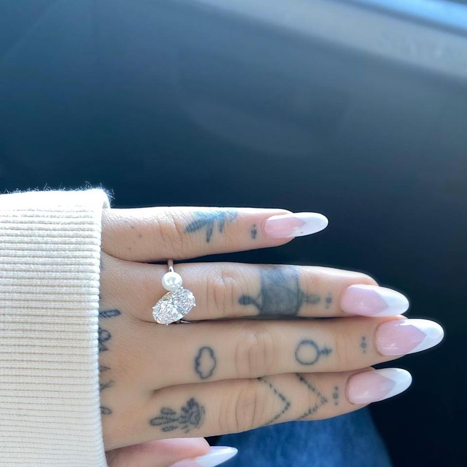 Ariana shared a snap of her huge diamond ring. Photo: Instagram/Ariana Grande