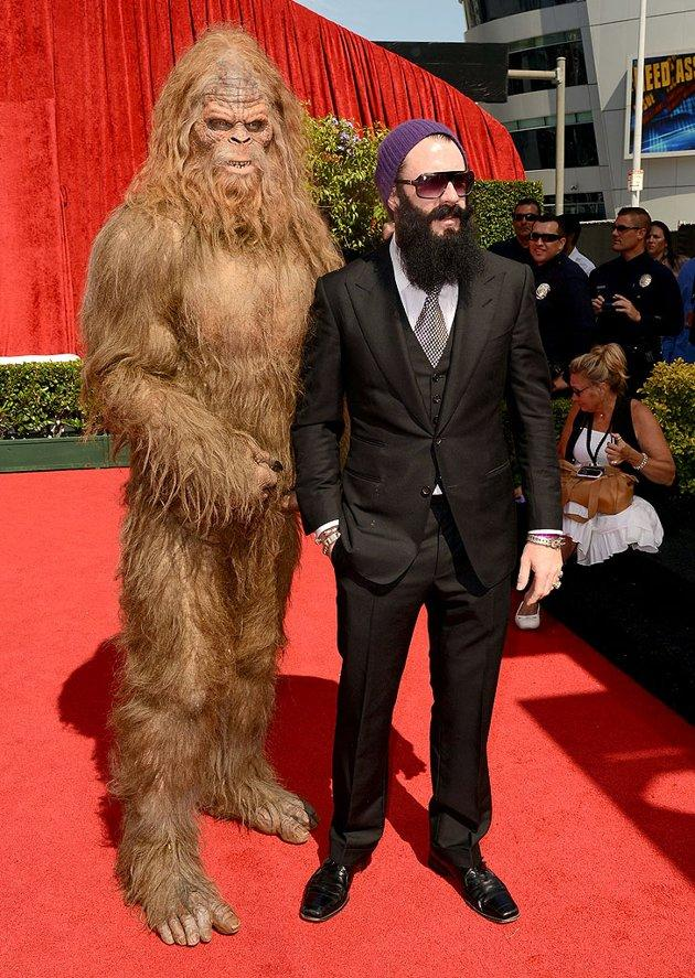 "San Francisco Giants relief pitcher Brian Wilson arrived at the 2012 ESPY Awards on Wednesday evening with a rather unique date: Sasquatch. They were definitely the hottest -- and hairiest -- couple on the red carpet! ""I'm rollin with Squatch all night,"" Wilson posted on Twitter. ""Tweet me a question you want me to ask him. #AskSquatch."""
