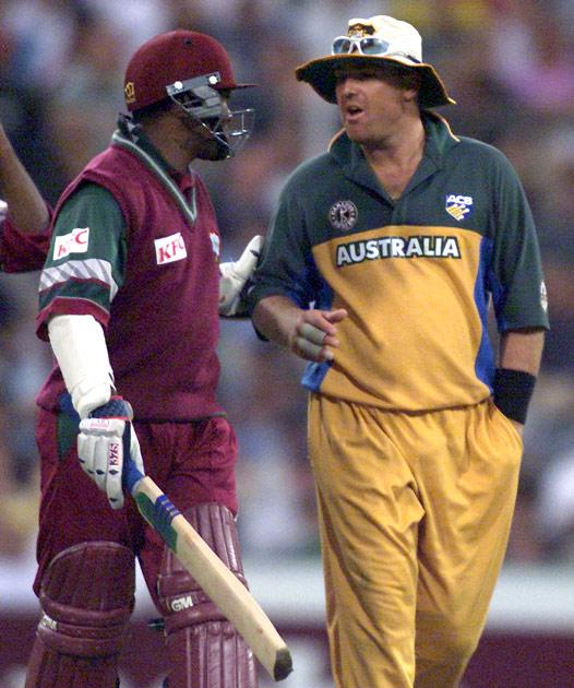 17 Jan 2001:  Brian Lara of the West Indies (left) chats with Shane Warne of Australia during the Carlton Series One Day International between Australia and West Indies at the Sydney Cricket Ground, Sydney, Australia. x Digital Image Mandatory Credit: Nick Wilson/ALLSPORT