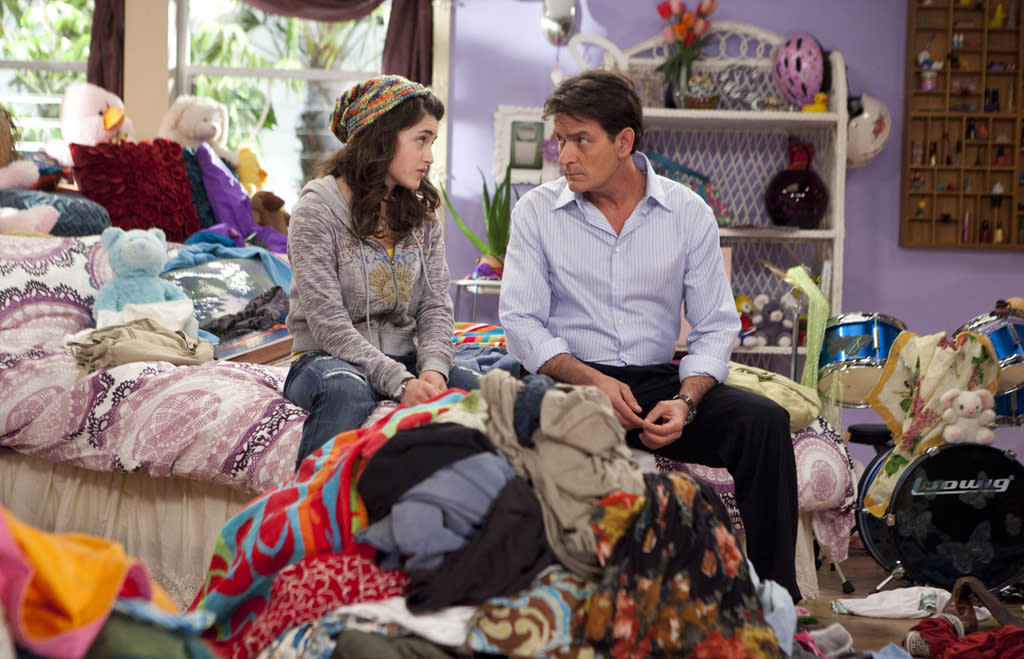 "Charlie Sheen and Daniela Bobadilla in ""Anger Management"" on FX."