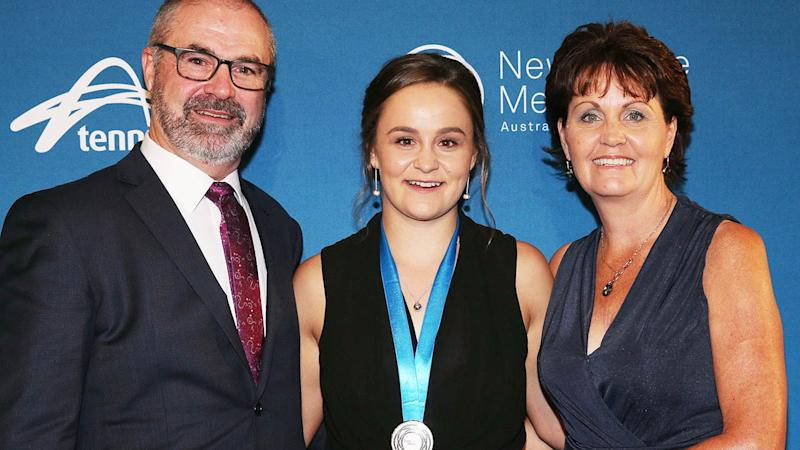 Ashleigh Barty poses with Robert and Josie at the 2017 Newcombe Medal. (Photo by Michael Dodge/Getty Images)