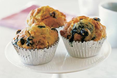 "<p>Try these deliciously decadent <a rel=""nofollow"" href=""http://au.lifestyle.yahoo.com/food/recipes/recipe/-/16456957/berry-and-apple-muffins/"">apple and berry muffins</a> made exclusive to us by the <a rel=""nofollow"">Golden Door.</a>"