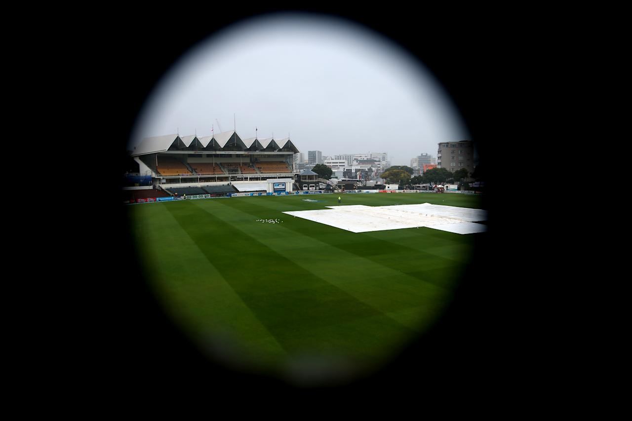 WELLINGTON, NEW ZEALAND - MARCH 18:  Rain delays the start of play on day five of the Test match between New Zealand and England at Basin Reserve on March 18, 2013 in Wellington, New Zealand.  (Photo by Phil Walter/Getty Images)