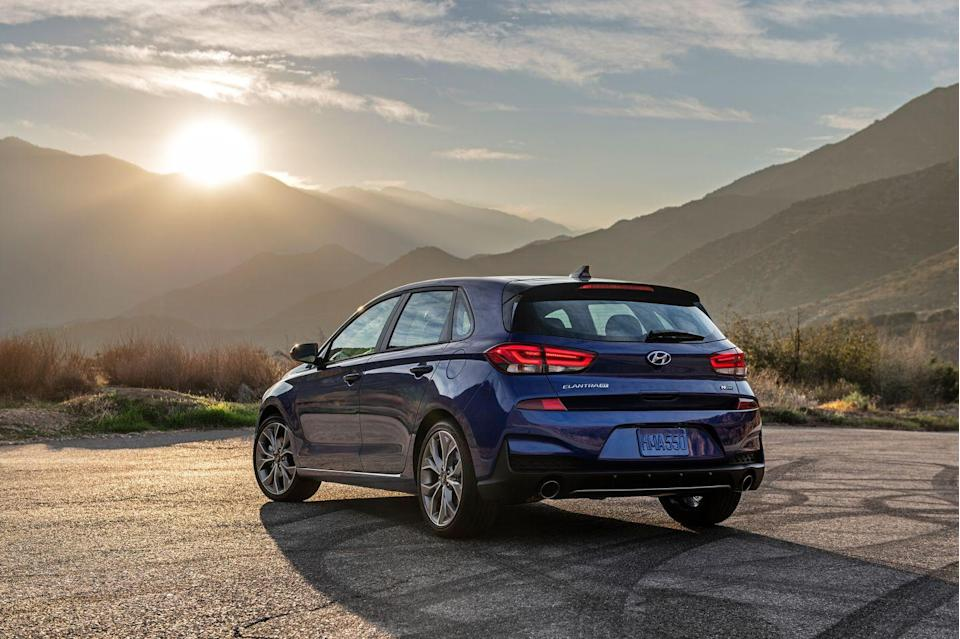 <p>The tuning of the shocks and steering has been improved, and the front and rear sway bars are new. </p>