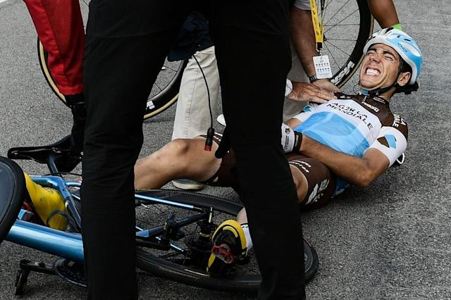 Bardet's AG2R team will have to race 17 stages of the 2018 Tour a man down after Axel Domont's 70km/h fall (AFP Photo/Philippe LOPEZ)