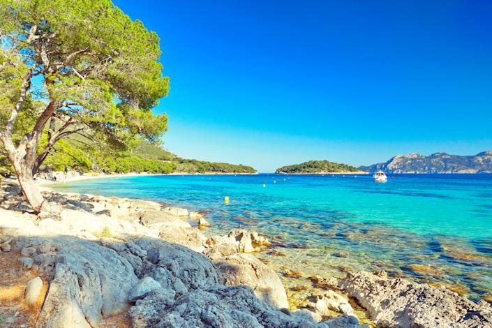 Stunning scenery at Playa de Formentor, Mallorca. (Gettty Images)