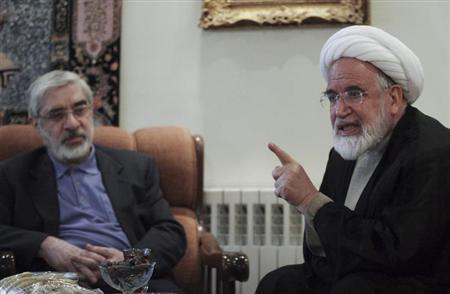 Iranian opposition leader Mousavi meets with pro-reform cleric Karoubi in Tehran