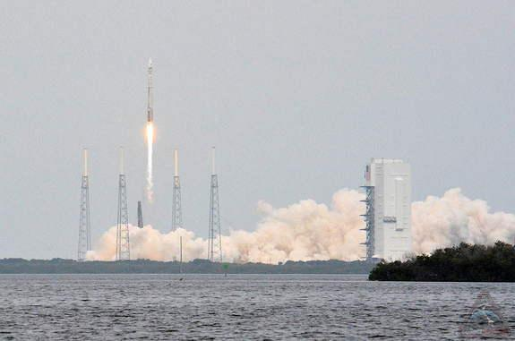 'Picture-Perfect' Mars Probe Launch Has NASA Over the Moon