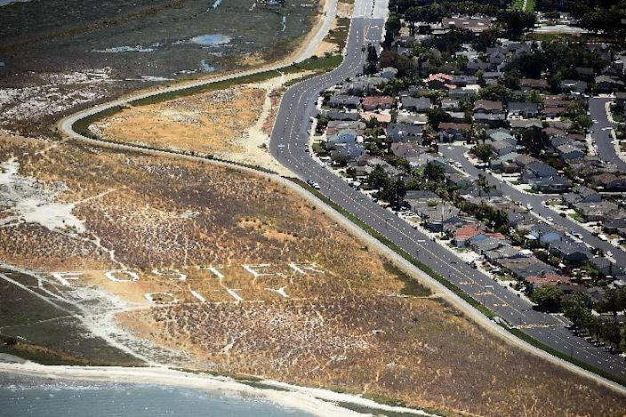 This picture taken from a helicopter shows a drought affected area on the outskirts of San Francisco, California, on July 23, 2014 (AFP Photo/Jewel Samad)