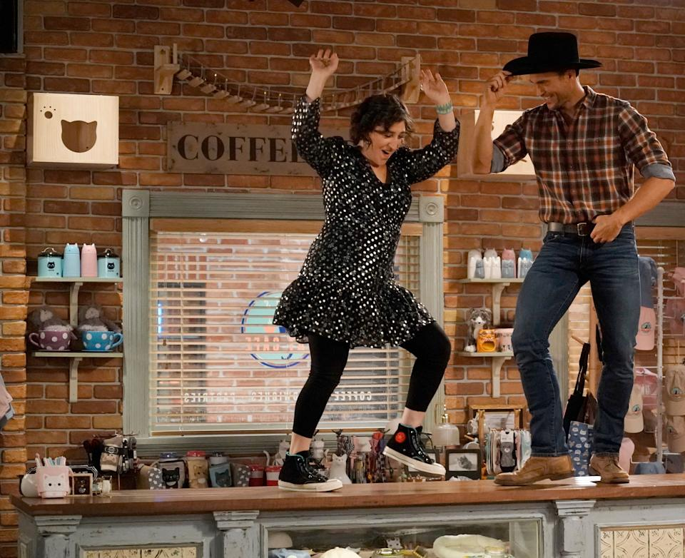 Mayim Bialik and Cheyenne Jackson star in an episode of