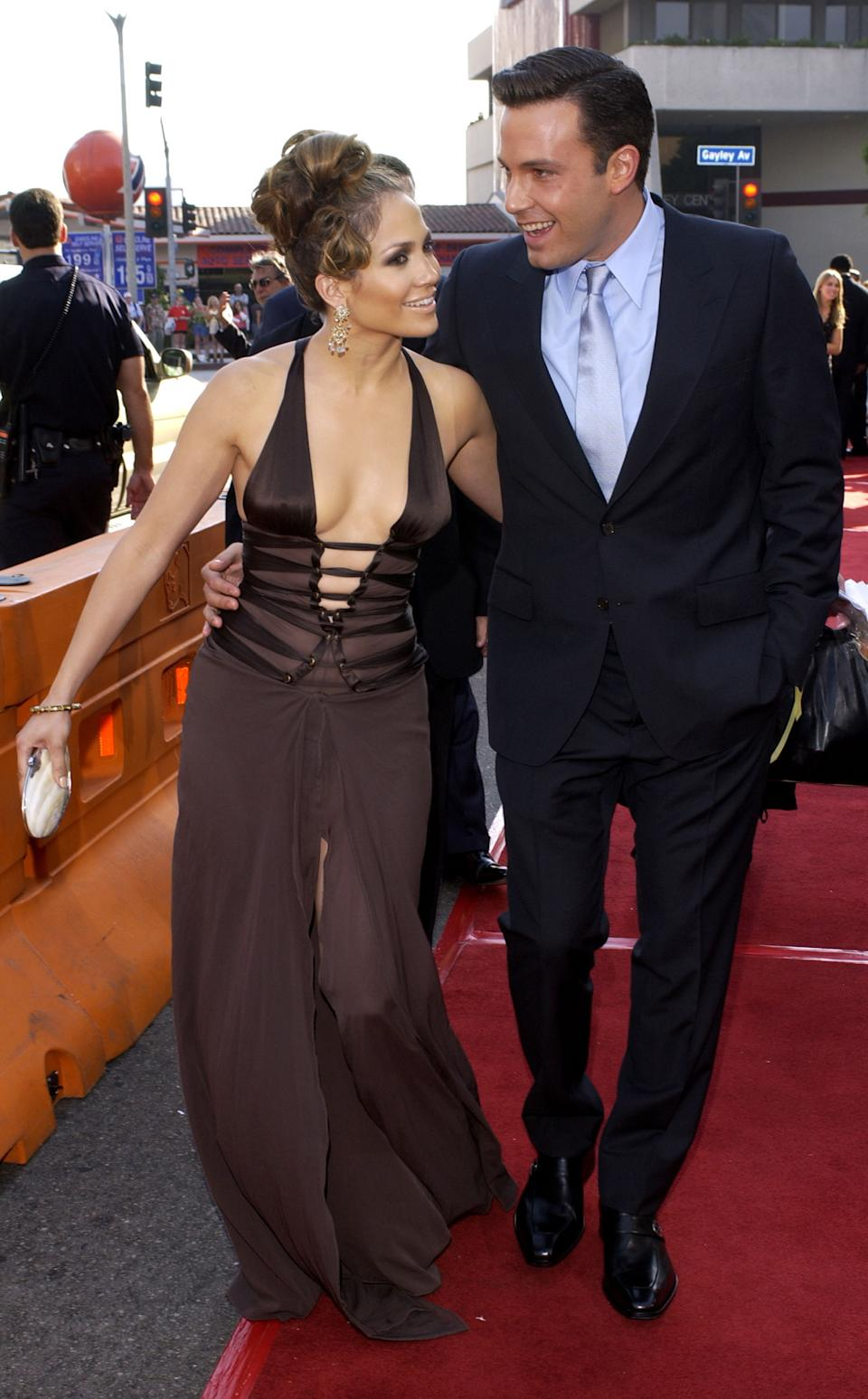 """<p>""""She is just into him unbelievably. Leaning into him, she's crazy about him on the red carpet. You can just tell she is absolutely crazy smitten."""" - Dr. Lillian Glass, body language expert (Photo by L. Cohen/WireImage)</p>"""