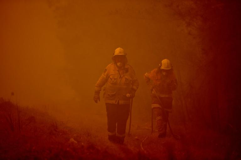 Prime Minister Scott Morrison has called up 3,000 military reservists to tackle Australia's relentless bushfire crisis (AFP Photo/PETER PARKS)