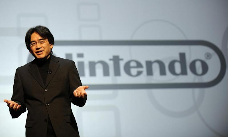 Satoru Iwata, President of Nintendo, delivers a speech during the Nintendo E3 media briefing at the Kodak Theater in Hollywood, California, on July 15, 2008. AFP PHOTO GABRIEL BOUYS (Photo credit should read GABRIEL BOUYS/AFP/Getty Images)