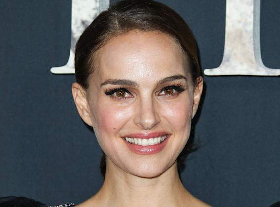 Natalie Portman Is Female Thor In Thor Love And Thunder