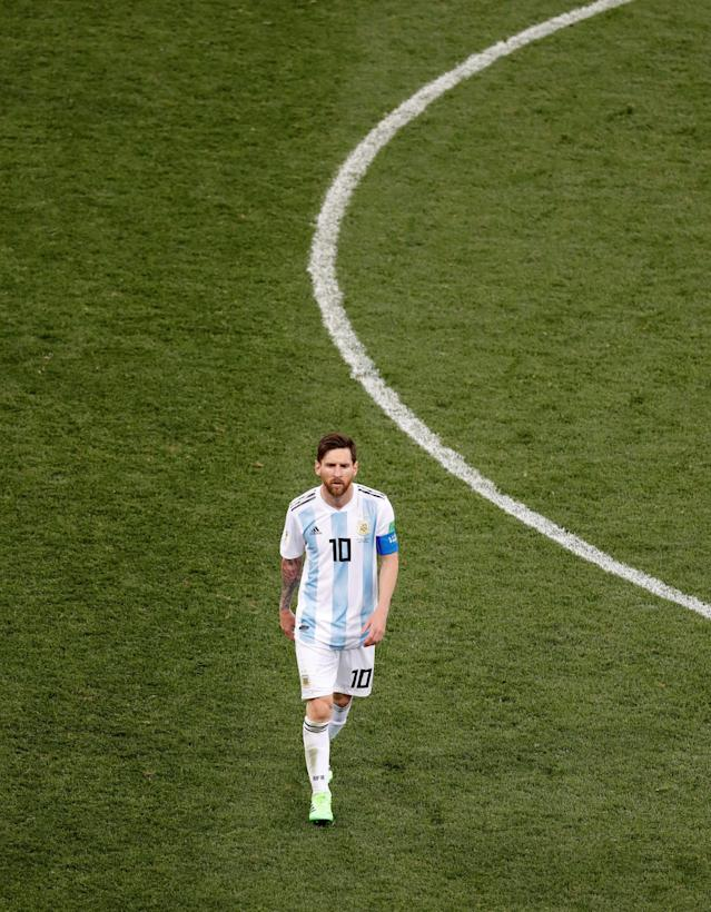Soccer Football - World Cup - Group D - Argentina vs Croatia - Nizhny Novgorod Stadium, Nizhny Novgorod, Russia - June 21, 2018 Argentina's Lionel Messi looks dejected after the match REUTERS/Carlos Barria TPX IMAGES OF THE DAY