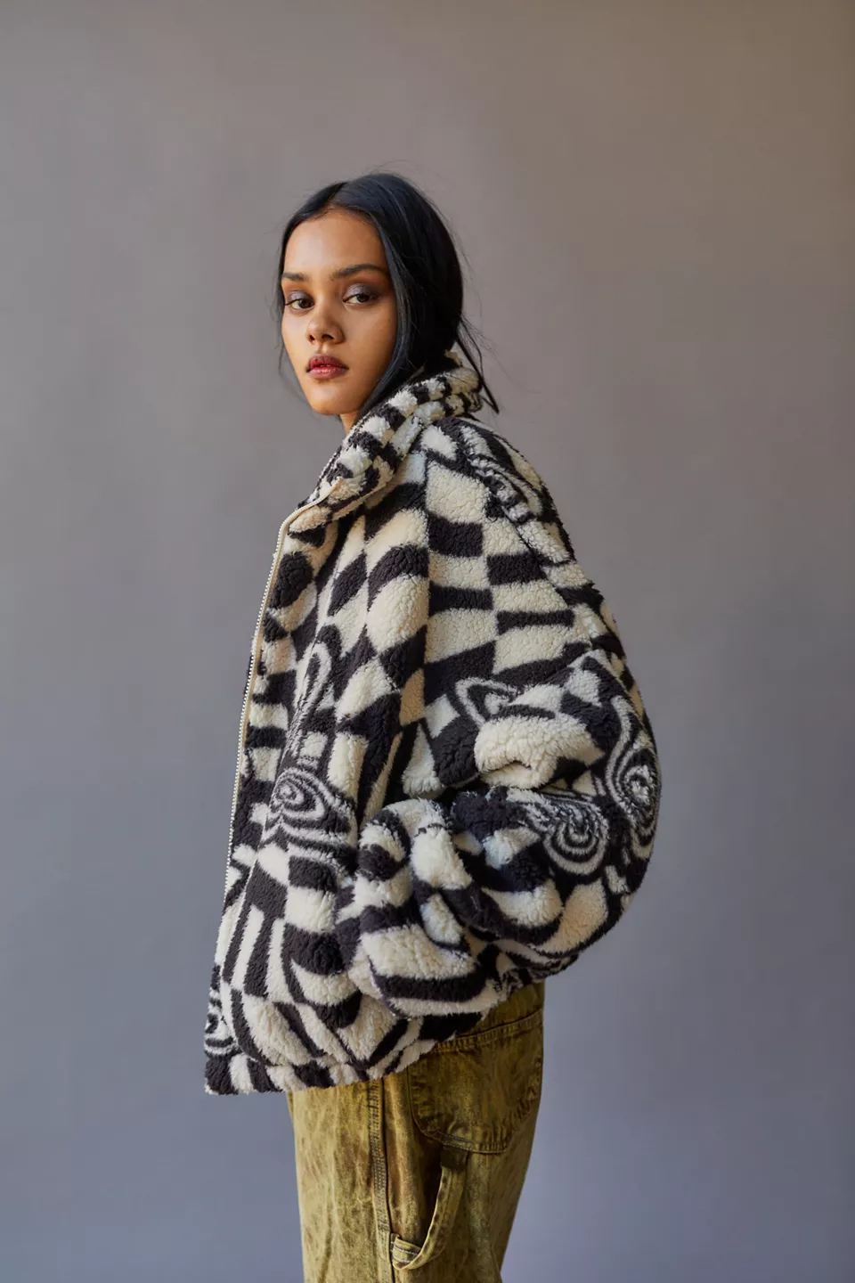 """<br><br><strong>UO</strong> Olivia Printed Sherpa Jacket, $, available at <a href=""""https://go.skimresources.com/?id=30283X879131&url=https%3A%2F%2Fwww.urbanoutfitters.com%2Fshop%2Fuo-olivia-printed-sherpa-jacket"""" rel=""""nofollow noopener"""" target=""""_blank"""" data-ylk=""""slk:Urban Outfitters"""" class=""""link rapid-noclick-resp"""">Urban Outfitters</a>"""