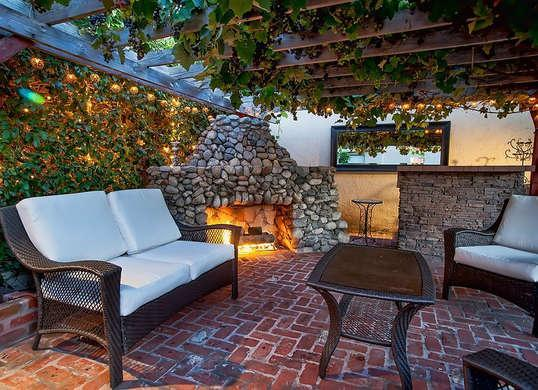 Inexpensive Backyard Privacy Ideas modern mosaic View Photos