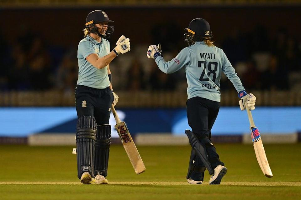 Danni Wyatt (right) combined with her captain for a crucial partnership (Getty Images)