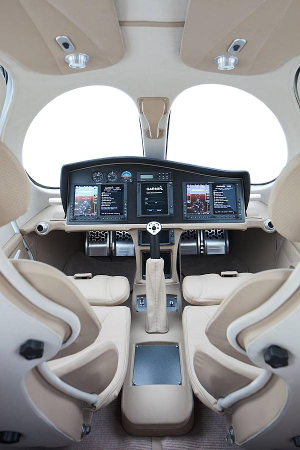 The manufacturers say it will cost £1.7m, making it the cheapest commercial plane on the market. (CEN)