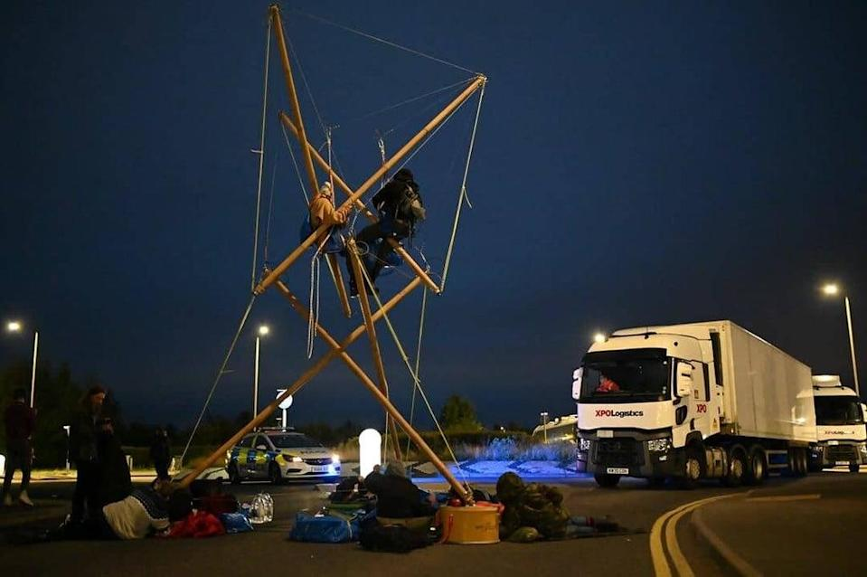 Animal Rebellion protesters set up camp outside Arla's factory in Aylesbury  (Animal Rebellion )