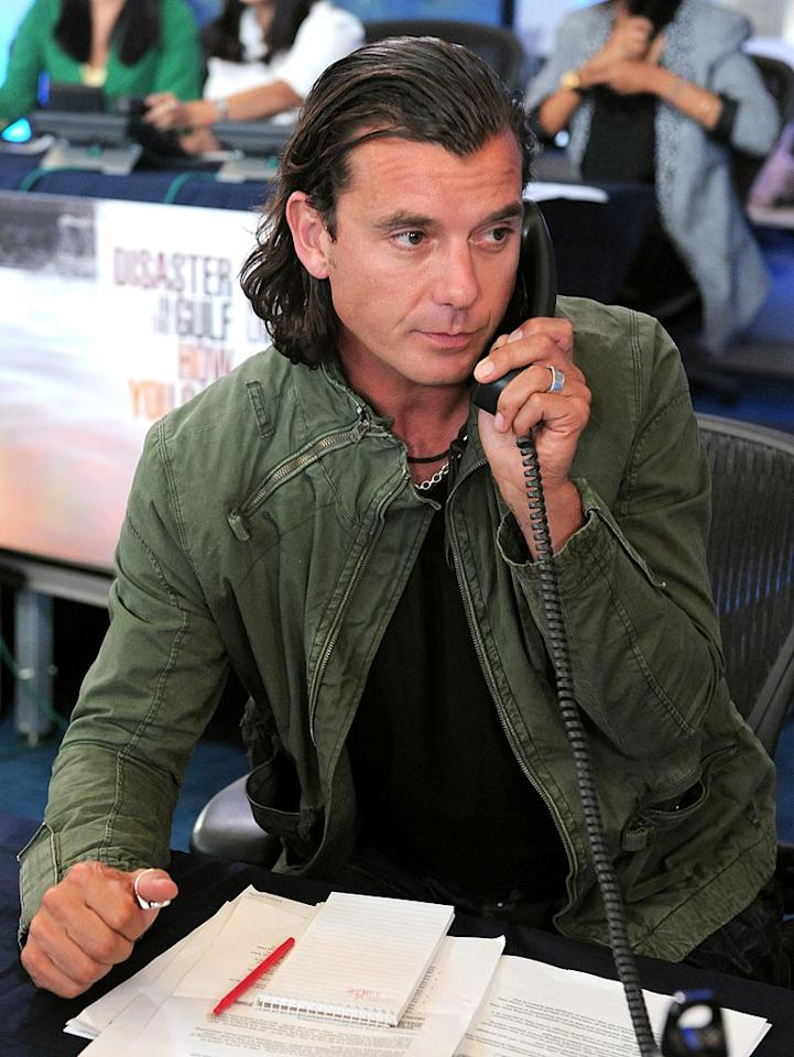 """Some people who called to donate for the cause were lucky enough to hear Gavin Rossdale's sexy British accent on the other end of the line! Jordan Strauss/<a href=""""http://www.wireimage.com"""" target=""""new"""">WireImage.com</a> - June 21, 2010"""